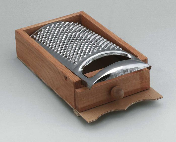 parmesanreibe aus kirschbaumholz pasta als kunden und firmengeschenke. Black Bedroom Furniture Sets. Home Design Ideas